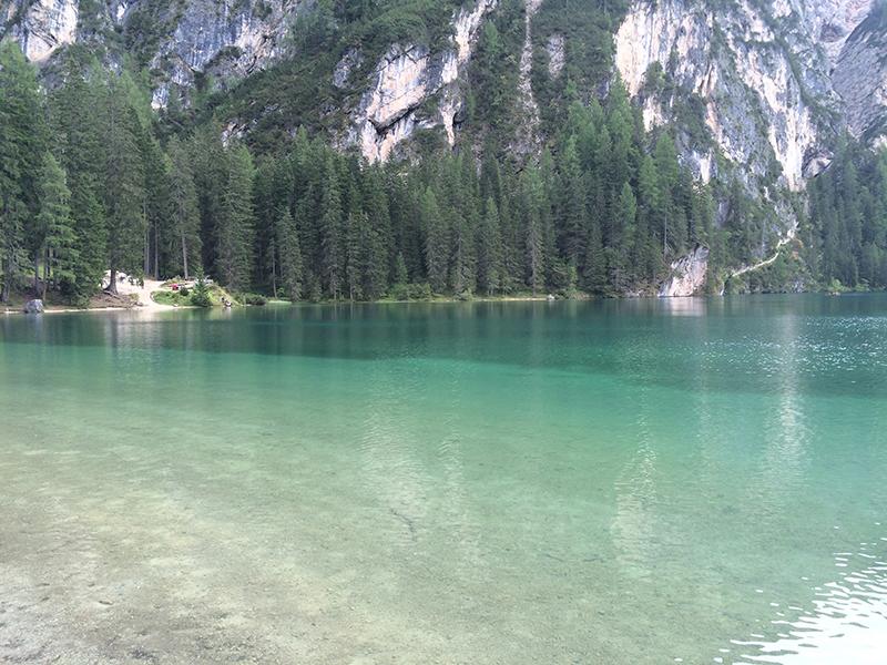 colore acqua lago di braies